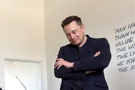 马斯克:考虑出书讲特斯拉和SpaceX的故事