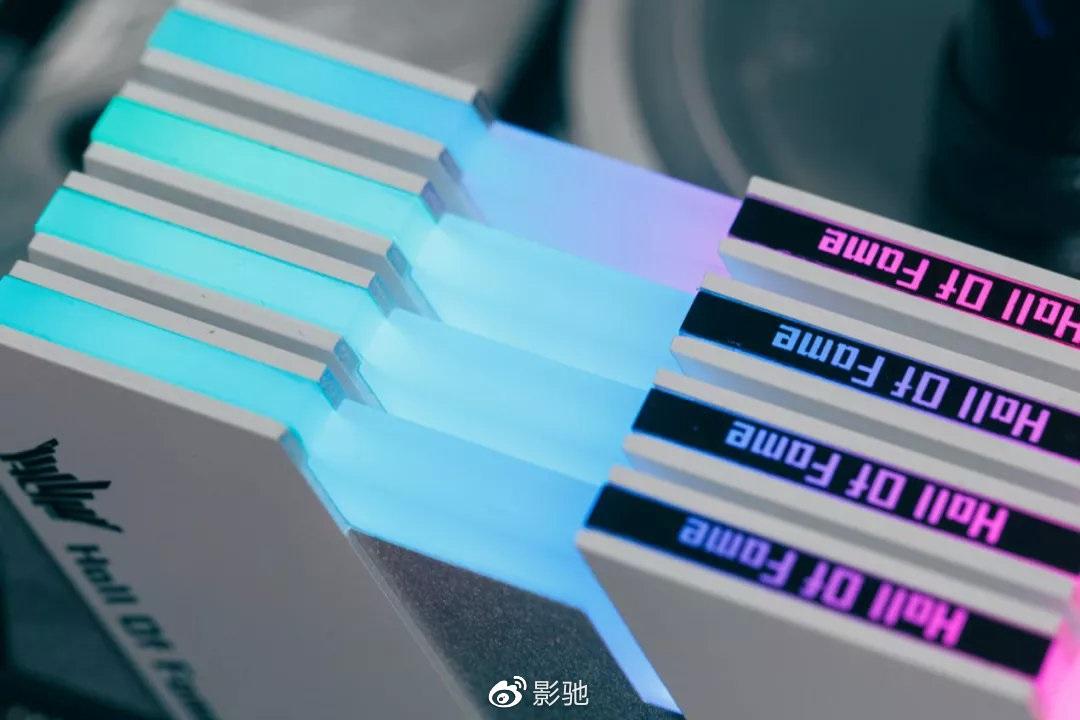 影驰XMP内存超频功能测试曝光:开启XMP功能内存频率为4000MHz
