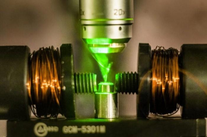 研究人员实现实用的半导体自旋电子技术 什么是自旋电子学