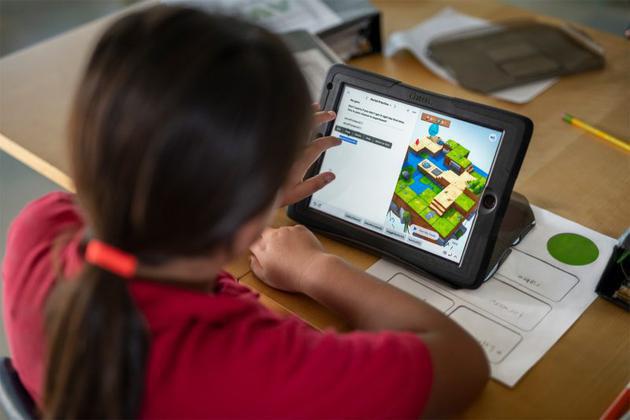 超六成学生拥有个人专属的手机、平板电脑、电脑等电子产品