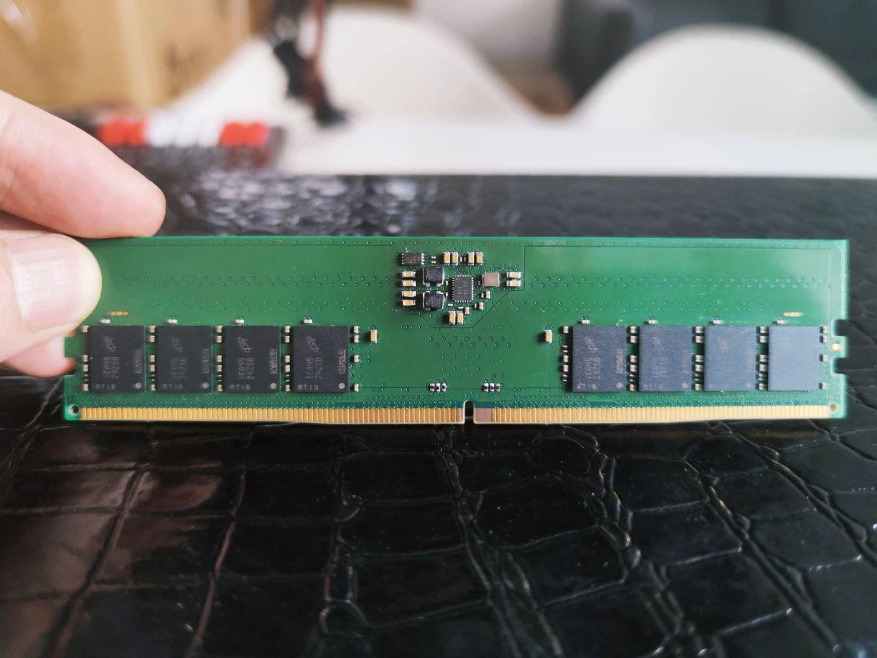 嘉合劲威首批DDR5内存条量产下线 可兼容英特尔12代酷睿桌面平台