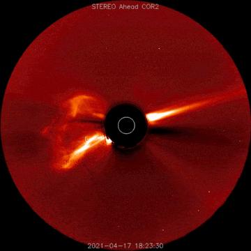 NASA SOHO航天器检测到一次离开太阳的日冕物质抛射CME