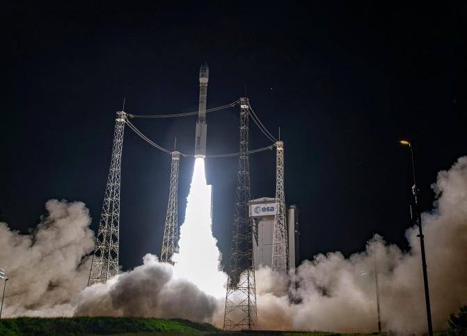 欧洲织女星运载火箭连夜搭载地球观测卫星发射成功