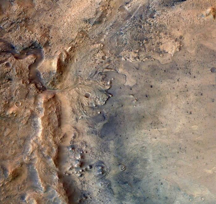 研究表明火星高达99%水分是因不可逆的地壳水化而流失的