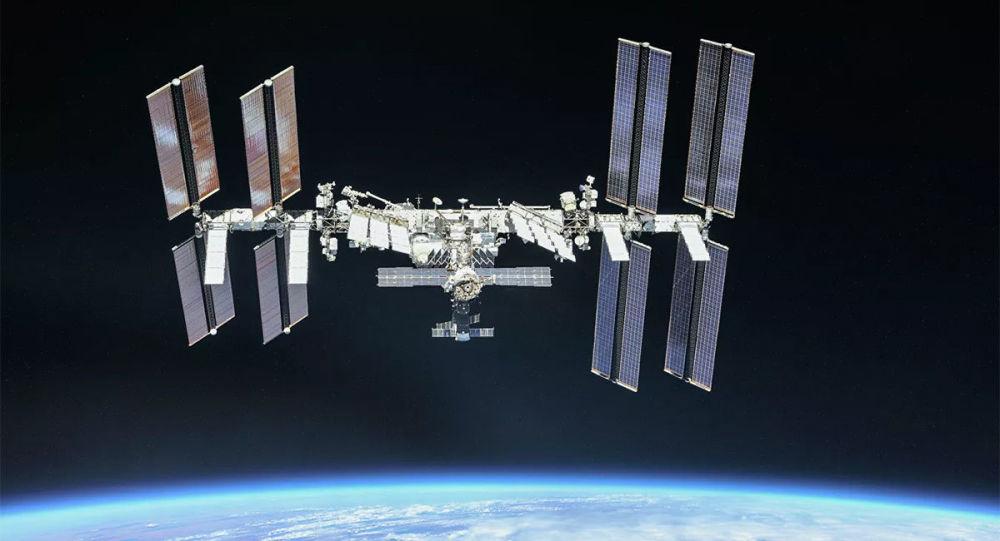 """国际空间站乘员将在""""科学""""号新实验舱到达之前进行3次太空行走"""