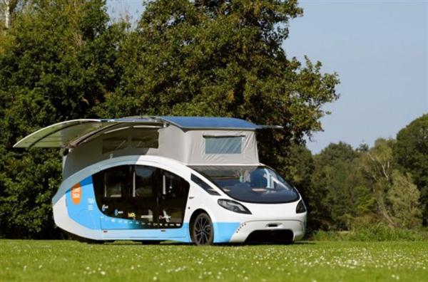 荷兰学生团队打造太阳能房车 夜间行驶续航里程可达到600公里